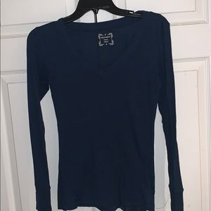 Tops - Long sleeve v neck t shirt